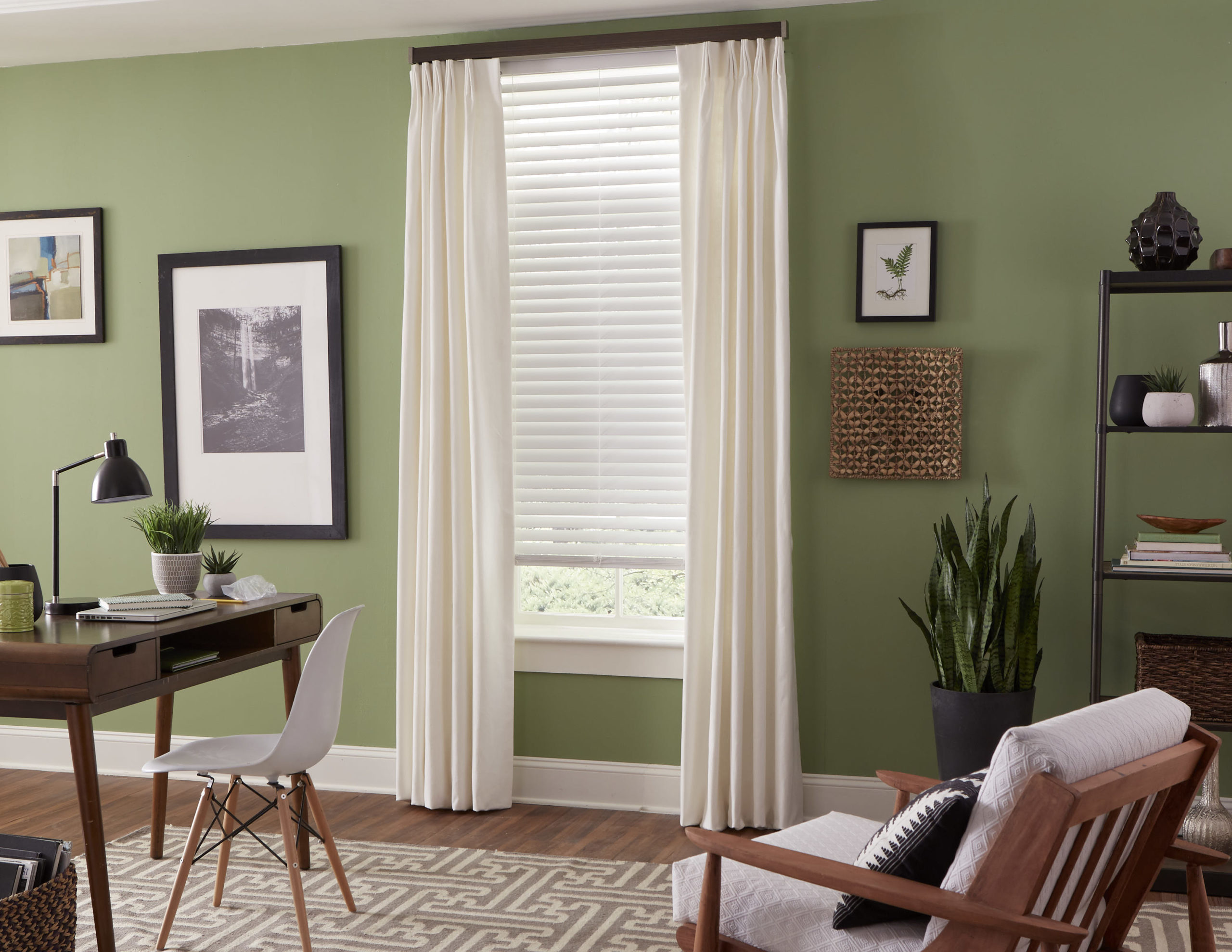 Pinnacle PrivacyPlus Blinds and Select Wood Flat Fascia Traverse Rods